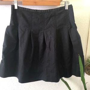 GAP Black mini skirt.
